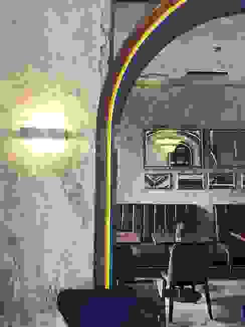 室內牆壁擺上鏡子,將空間反射出來如同一副藝術品:  牆壁與地板 by On Designlab.ltd,