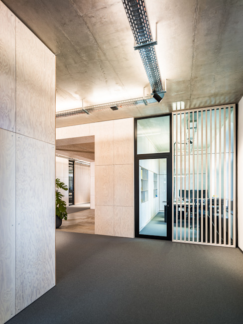 Industrial style offices & stores by boehning_zalenga koopX architekten in Berlin Industrial
