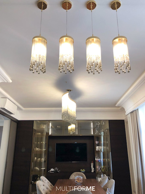 Design chandeliers for kitchen and living room in a flat in Moscow. Comedores de estilo clásico de MULTIFORME® lighting Clásico