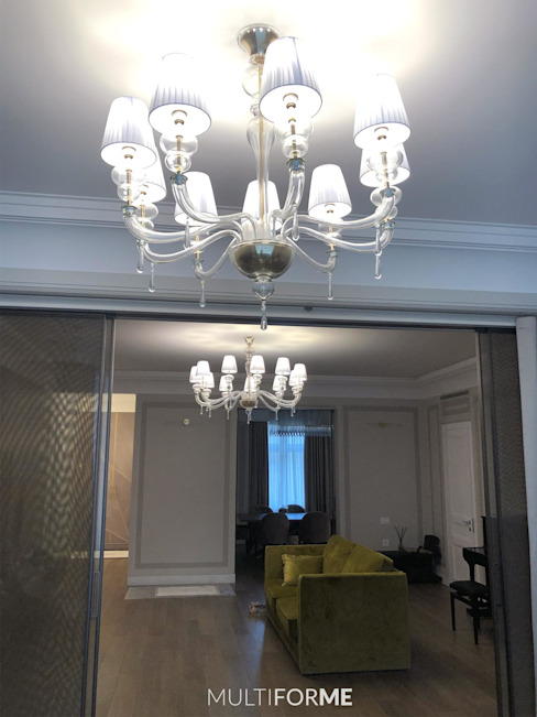 Design chandeliers for kitchen and living room in a flat in Moscow. 클래식스타일 다이닝 룸 by MULTIFORME® lighting 클래식