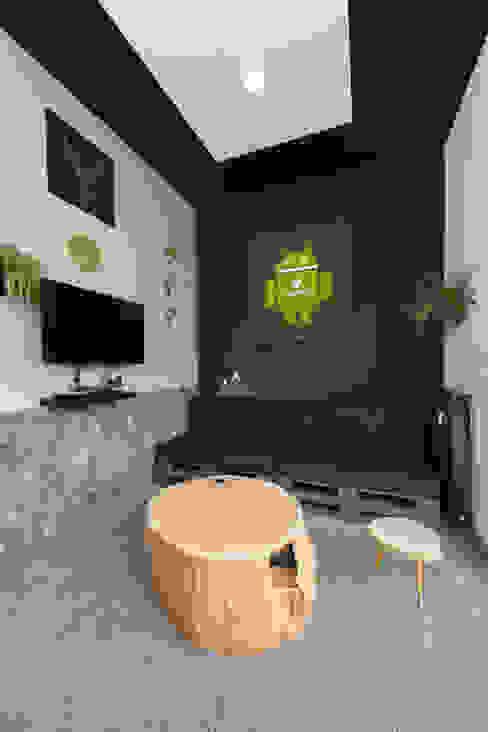 Meetingraum / Phonebox Moderne Bürogebäude von Kaldma Interiors - Interior Design aus Karlsruhe Modern