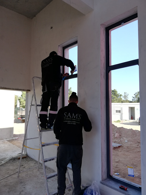 SAM'S - Soluções em alumínio e PVC Pintu & Jendela Gaya Industrial