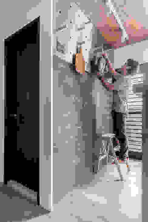 寓子設計의  벽