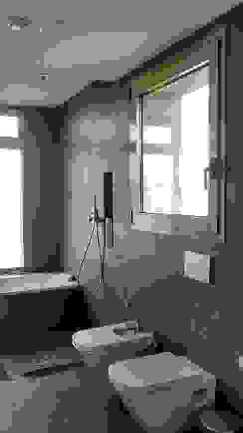 모던스타일 욕실 by Estudio1403, COOP.V. Arquitectos en Valencia 모던