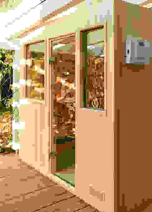 Manufaktursauna mit OUTDOOR-Paket| KOERNER Saunamanufaktur von KOERNER SAUNABAU GMBH Modern