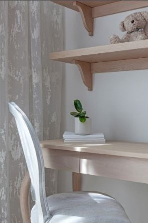 Lean Study Table :  Bedroom by decormyplace,