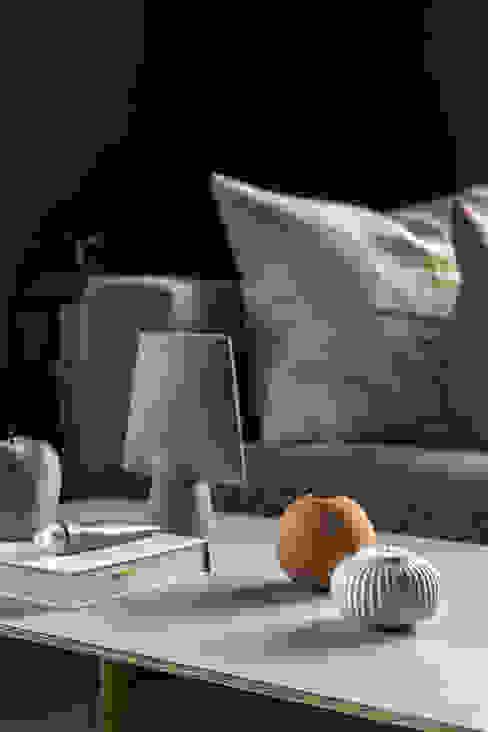 Classico in de kleur Black Smoke in de woonkamer Scandinavische woonkamers van Pure & Original Scandinavisch