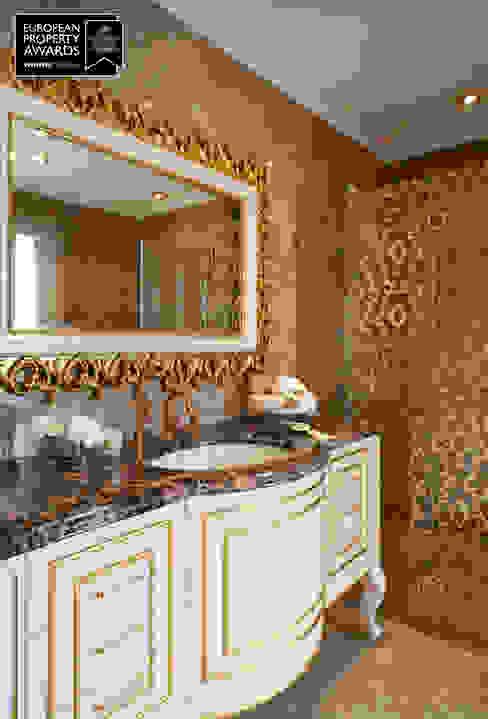 Master Bedroom / Bosphorus City Villa Classic style bathroom by Sia Moore Archıtecture Interıor Desıgn Classic Marble