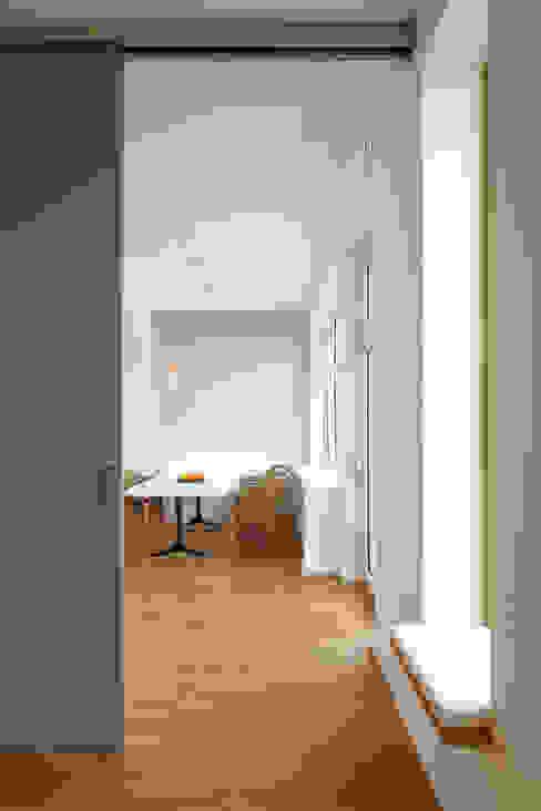 Umbau eines Jahrhundertwendehauses   Bauen im historischen Bestand CLAUDIA GROTEGUT ARCHITEKTUR + KONZEPT Moderne Esszimmer