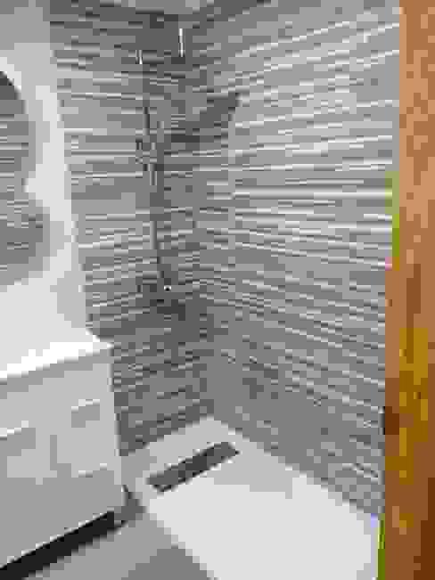Obrisa Reformas y rehabilitaciones. Modern Bathroom Tiles Grey