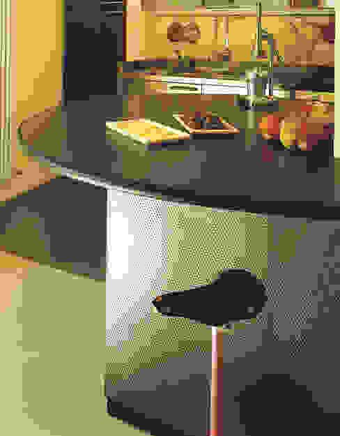 Cucina: Cucina attrezzata in stile  di Scaglione Workshop architettura e design,