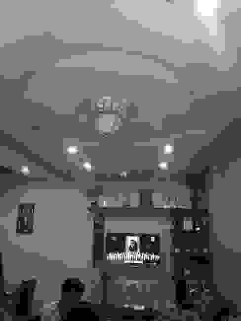 2 bhk interior:   by divine architects,