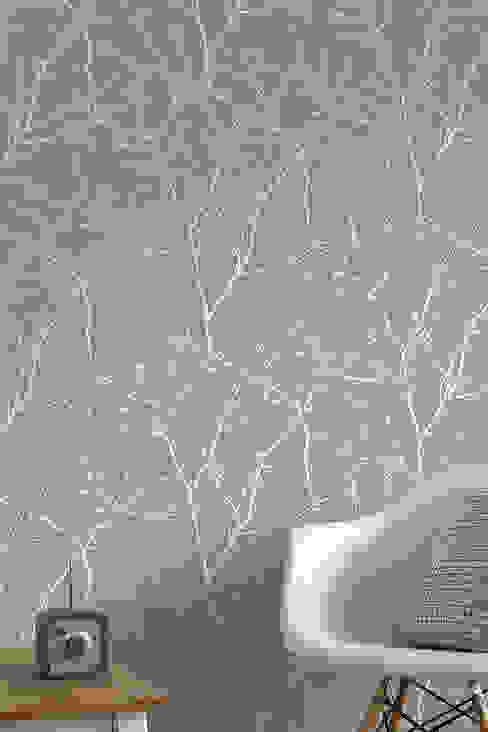 Classic style walls & floors by TapetenStudio.de Classic