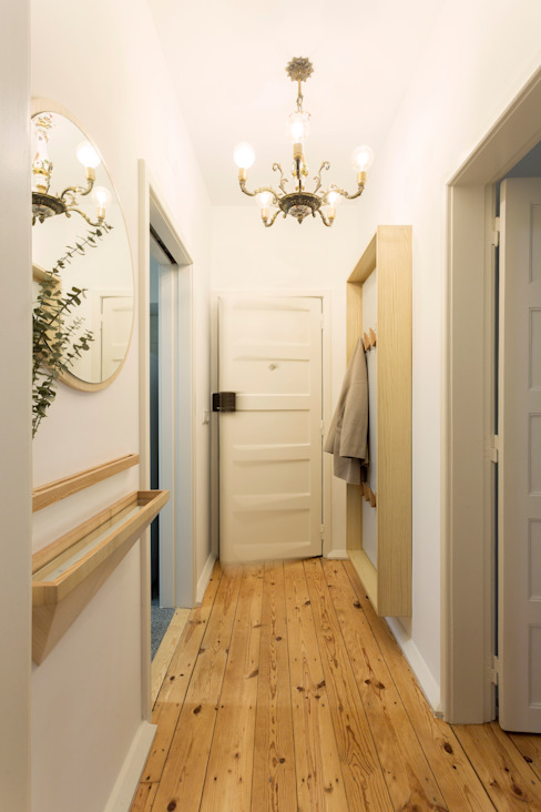 Eclectic style corridor, hallway & stairs by BL Design Arquitectura e Interiores Eclectic Wood Wood effect