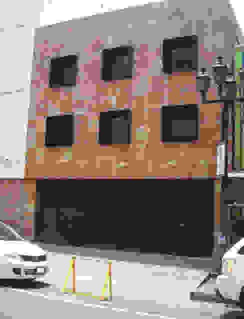 LOGFE GRUPO DE ARQUITECTURA Rumah Minimalis