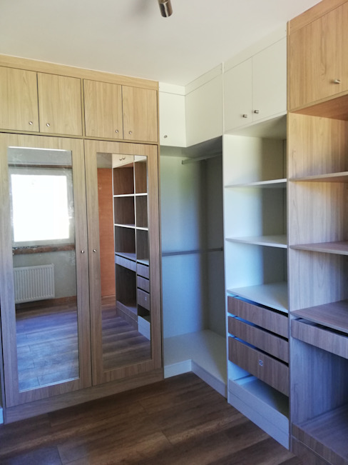Diseño de Cocina, baños, loggia y closet en Osorno Vestidores y placares de estilo moderno de Quo Design - Diseño de muebles a medida - Puerto Montt Moderno