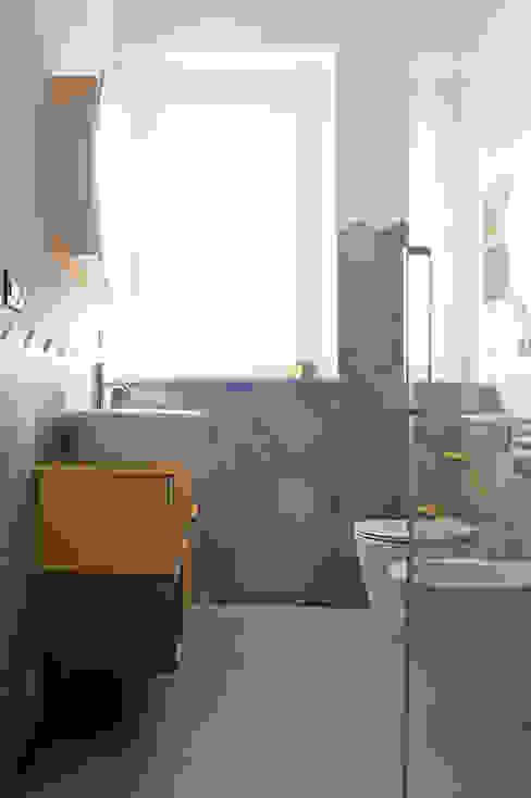 ARCHISPRITZ Modern bathroom Yellow