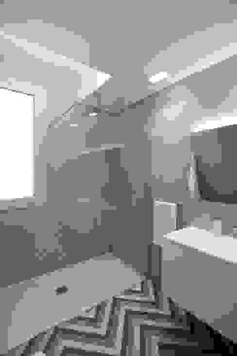 Moderne badkamers van Giuseppe Rappa & Angelo M. Castiglione Modern