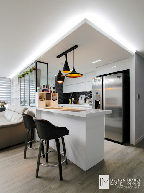성원상떼빌 34평 -거실, 주방: 디자인아이엠의  주방