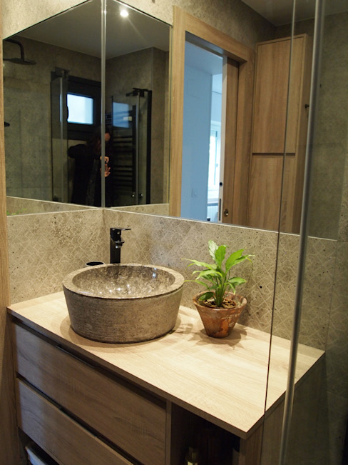 Reformmia Modern bathroom