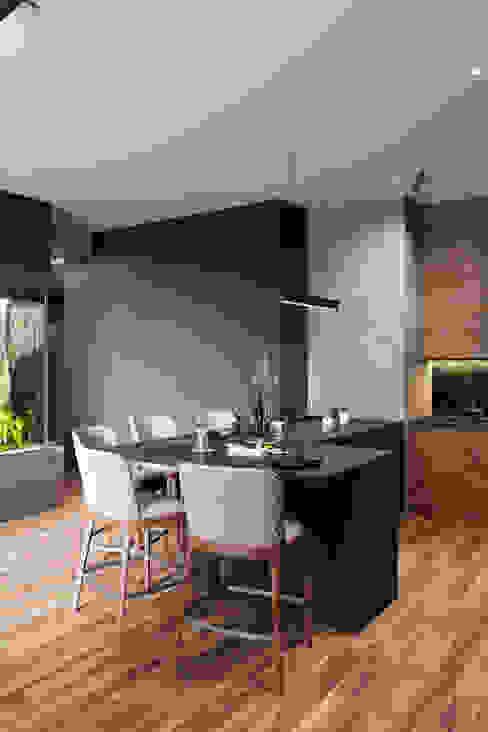 Квартира 148 кв.м. в современном стиле в ЖК Вавилова 4. Гостиная в стиле минимализм от Студия архитектуры и дизайна Дарьи Ельниковой Минимализм