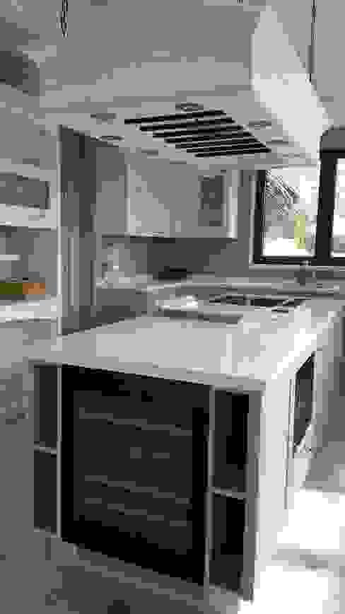 كلاسيكي  تنفيذ Decodan - Estudio de cocinas y armarios en Estepona y Marbella, كلاسيكي المرو أو الكوارتز