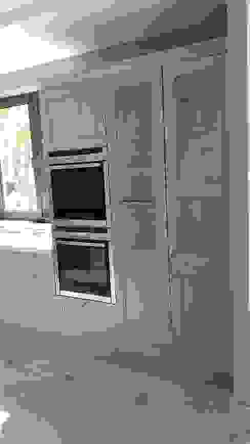 كلاسيكي  تنفيذ Decodan - Estudio de cocinas y armarios en Estepona y Marbella, كلاسيكي زجاج