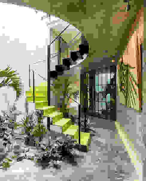 bởi Taller Estilo Arquitectura Hiện đại Kim loại