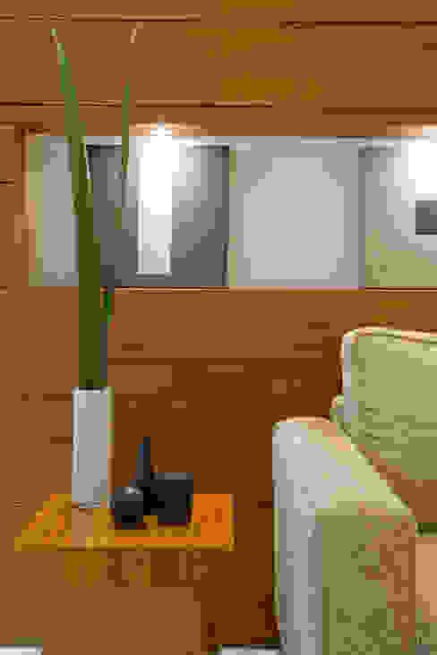 Cobertura AJM Viviane Cunha Arquitetura Salas de estar modernas