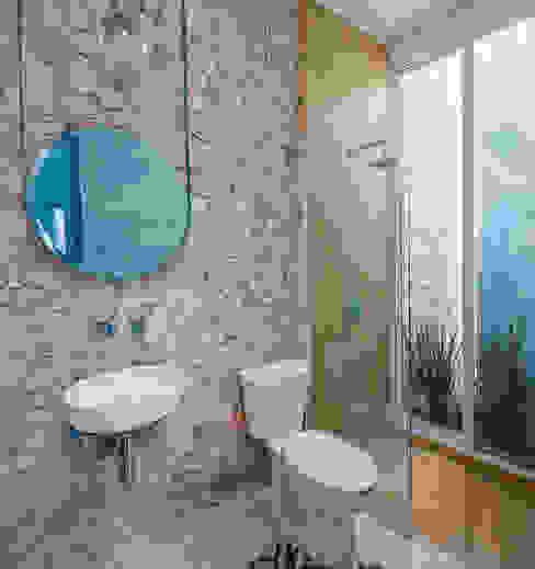 Taller Estilo Arquitectura Phòng tắm phong cách mộc mạc Cục đá Yellow