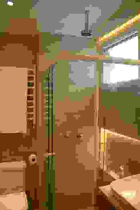 Apartamento MLA Casas de banho clássicas por Viviane Cunha Arquitetura Clássico