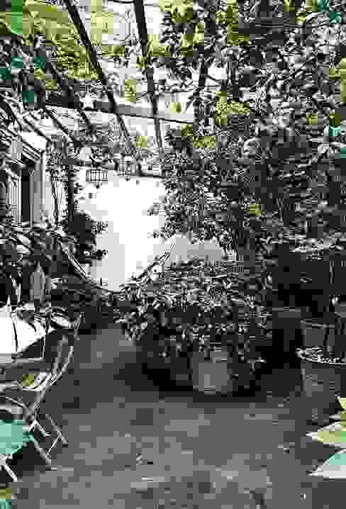 Bahçe seramik Rustik Balkon, Veranda & Teras Plaza Yapı Malzemeleri Rustik Seramik