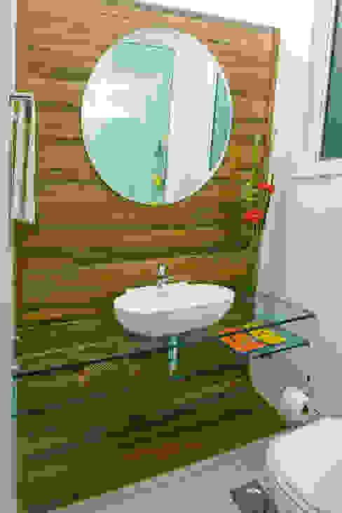 Apartamento DVC Casas de banho clássicas por Viviane Cunha Arquitetura Clássico