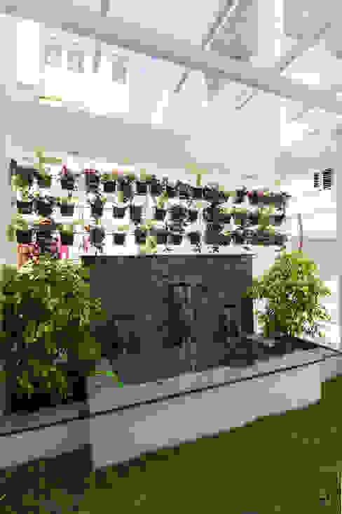 Balcony garden de square Garden Pond