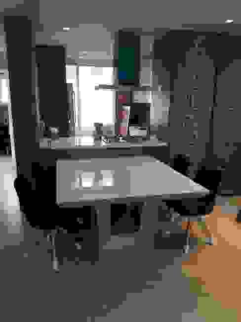 Mesa de jantar por moveis prisma & moveis bamberg Moderno MDF