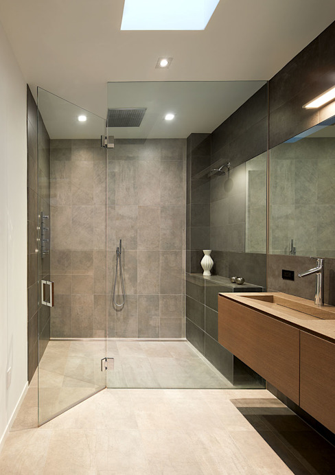 AutoHaus Modern Bathroom by KUBE architecture Modern