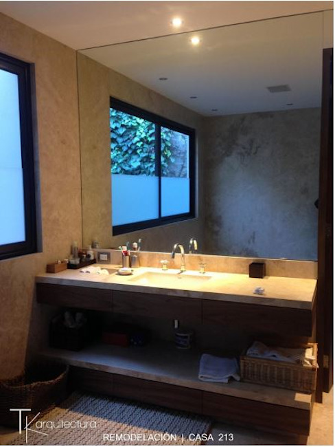 RESIDENCIAL | CASA UNIFAMILIAR 213 BOSQUES DE SANTA FE Baños modernos de Tk arquitectura Moderno