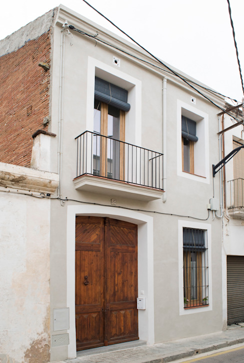 Fachada principal de Divers Arquitectura, especialistas en Passivhaus en Sabadell Moderno