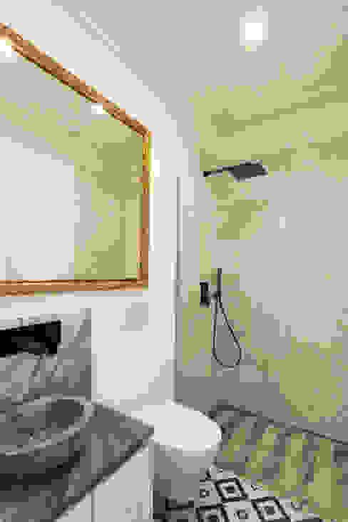 Lisbon Heritage Eclectic style bathroom