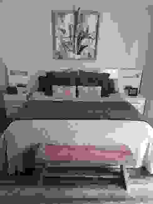 banco pie de cama en madera natural y collage rustico La Caseta de la Maria Dormitorios de estilo clásico