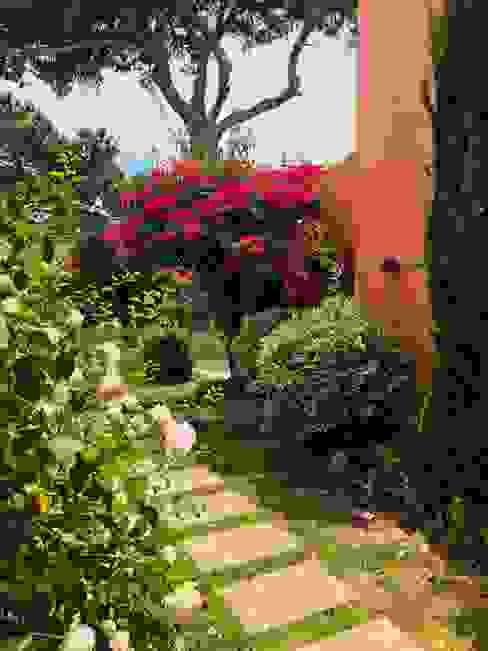Maria Mayer | Interior & Landscape Design Country style garden