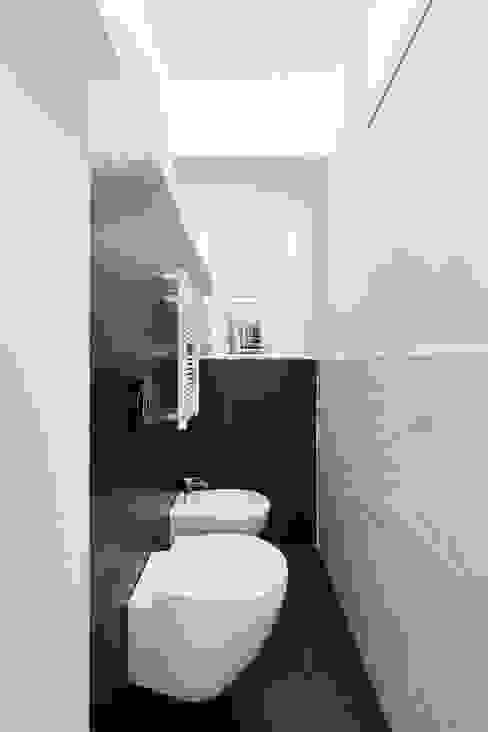 Baños de estilo  de B+P architetti