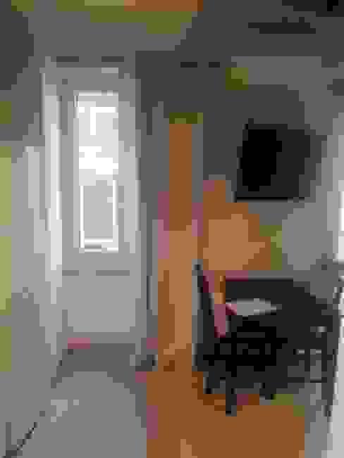 Dining room by Creattiva Home ReDesigner  - Consulente d'immagine immobiliare,