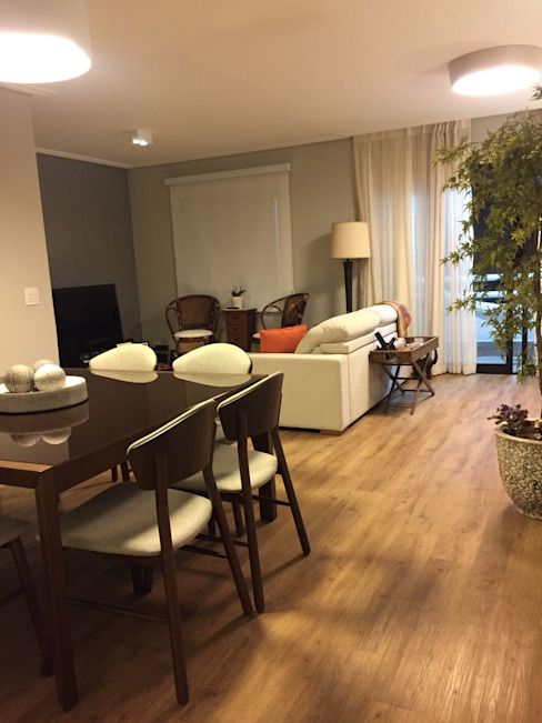 Salas estar, jantar e multimidia: Corredores e halls de entrada  por Ana Laura Wolcov - ARTE WOLCOV ,Eclético  de madeira e plástico