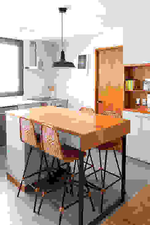 Moderne Küchen von ESTUDIOFES ARQUITECTOS Modern