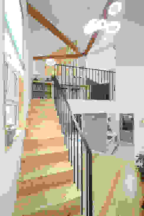 von 주택설계전문 디자인그룹 홈스타일토토 Modern Holz Holznachbildung