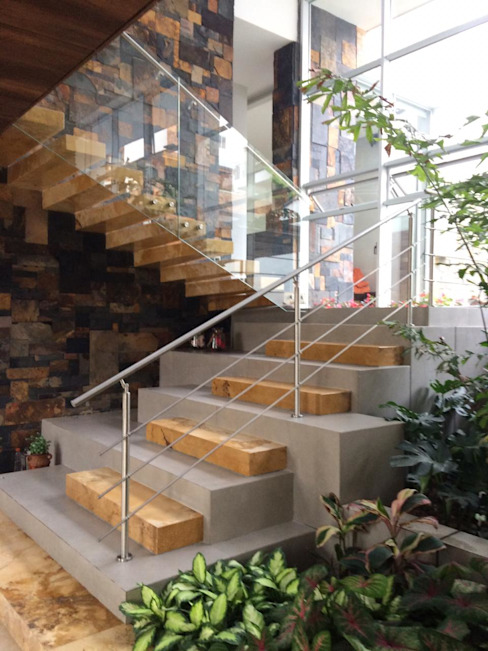 Casa 97A - Escalera Patio TALLER 11 Arquitectos Escaleras Piedra