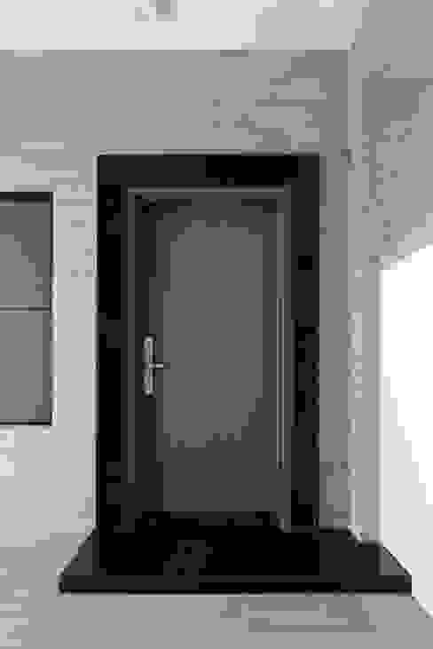 Front doors by houseda,