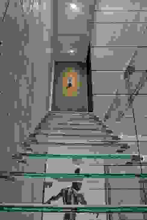 ESCALERA TORRE AURA ANCAR & ARQUITECTOS Escaleras Vidrio Transparente
