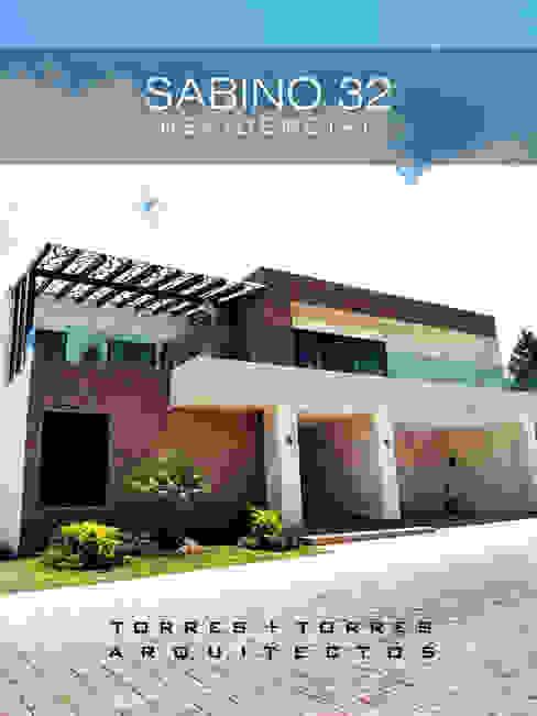 SABINO 32 de TORRES+TORRES ARQUITECTOS Minimalista Piedra